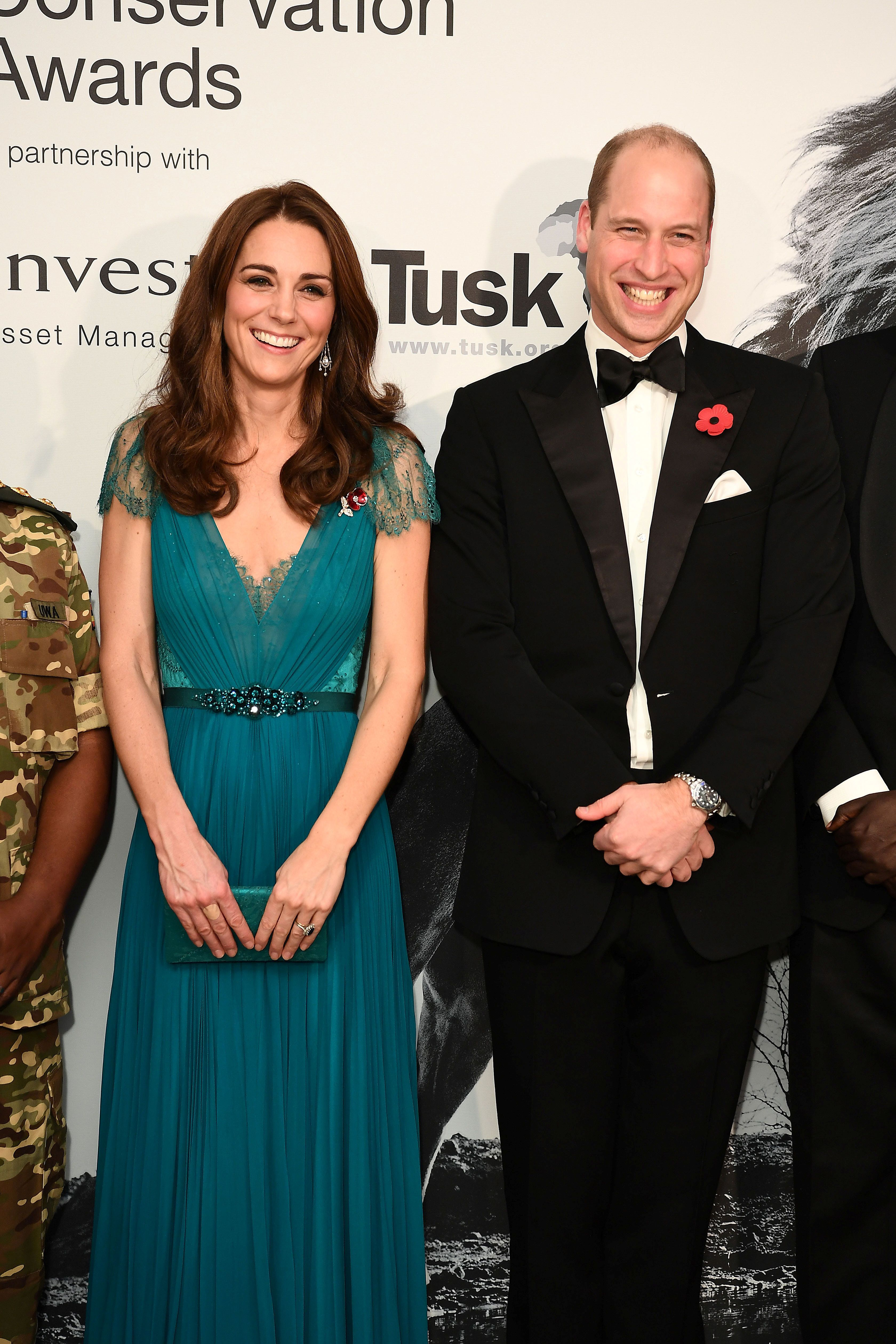 Britain's Prince William and Catherine, Duke and Duchess of Cambridge, pose as they attend the Tusk Conservation Awards in London, Britain November 8, 2018. Jeff Spicer/Pool via REUTERS