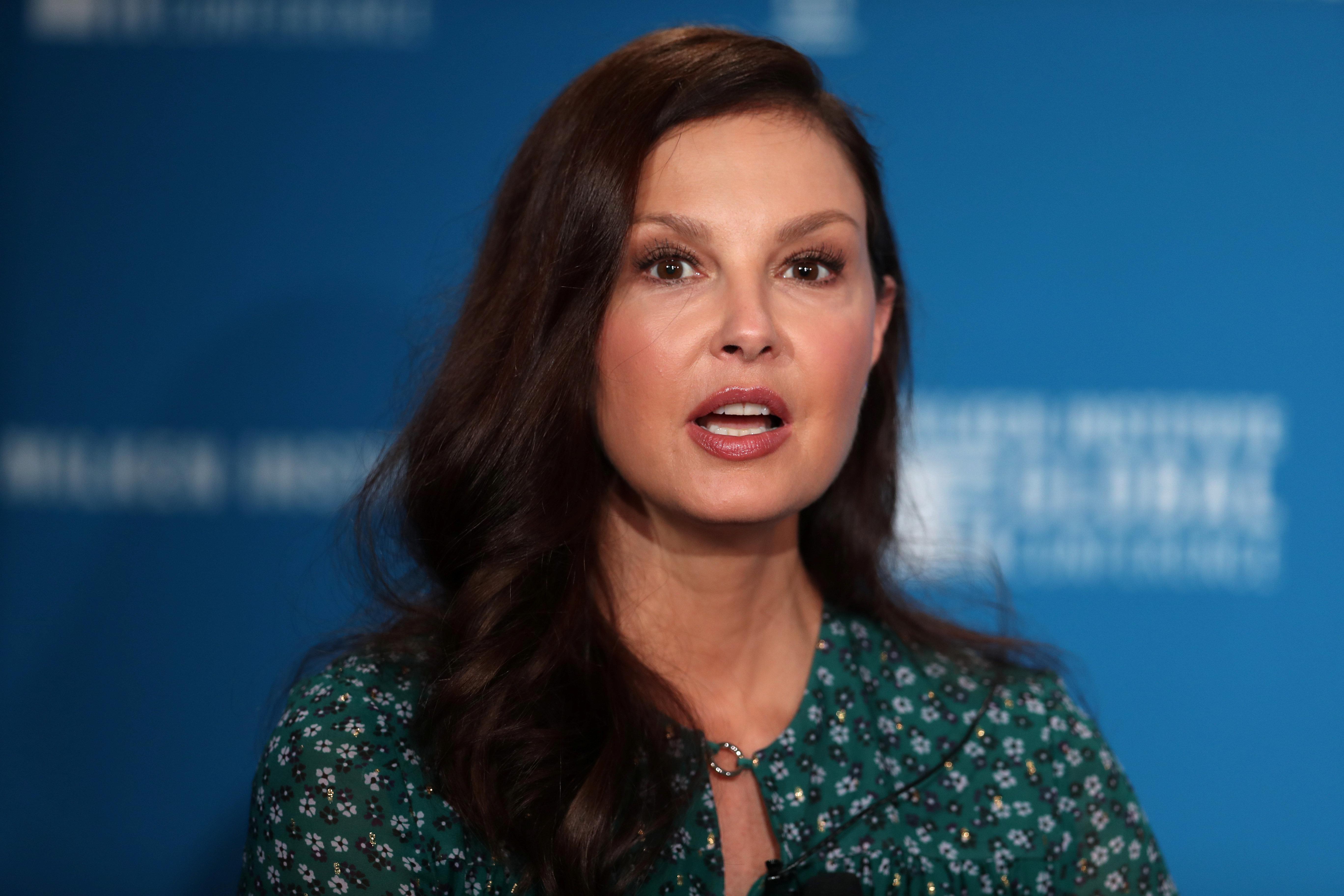 Ashley Judd's Sexual Harassment Claim Against Harvey Weinstein