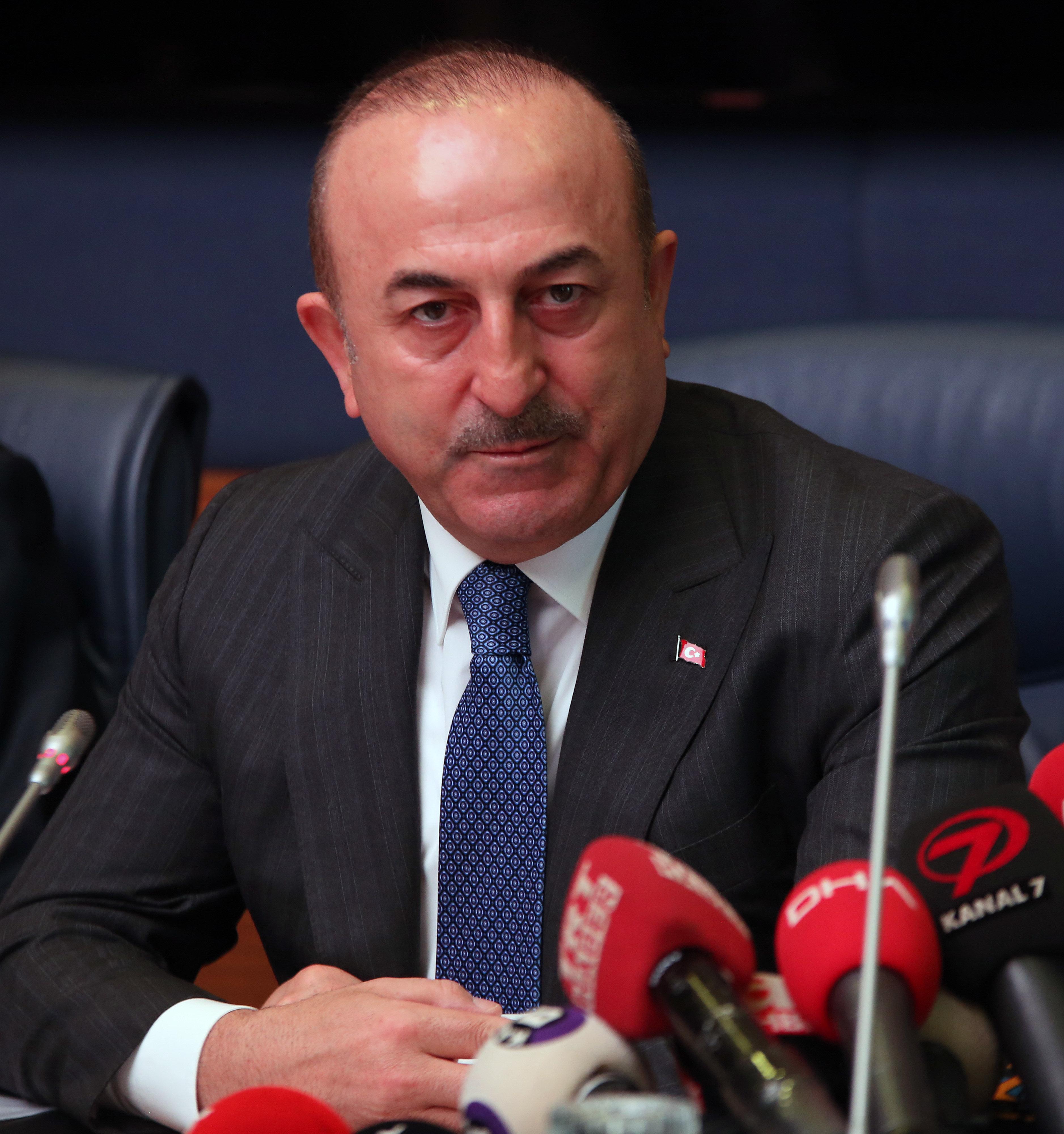Τσαβούσογλου: Θα χτυπήσουμε τους Κούρδους στη βόρεια Συρία είτε οι ΗΠΑ αποχωρήσουν είτε