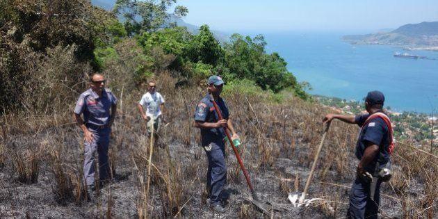 Incêndio em Ilhabela: fogo atinge trilha de ecoturismo no Parque Estadual