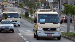 No improviso, vans escolares substituem ônibus durante greve em