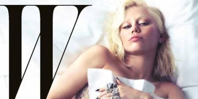 Miley Cyrus posa nua para revista e diz que não dá a mínima para