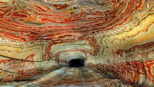 FOTOS: As cavernas psicodélicas da