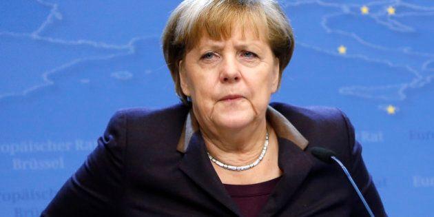 Merkel se revolta contra