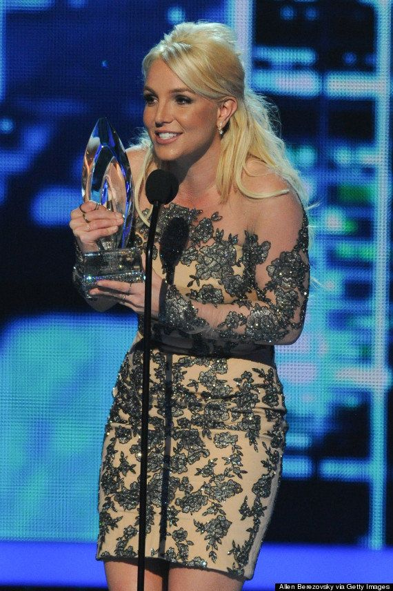 Antes e depois: Britney Spears abandonou os cabelos loiros e ficou