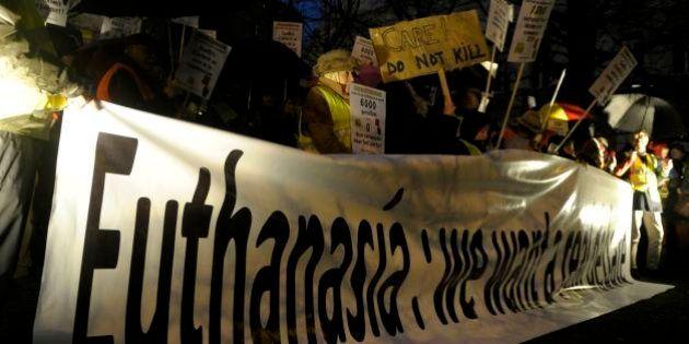 Bélgica é o 1º país a permitir eutanásia para