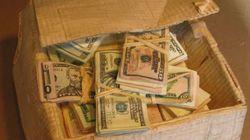 Isso é uma caixa cheia de dinheiro?! Olhe com