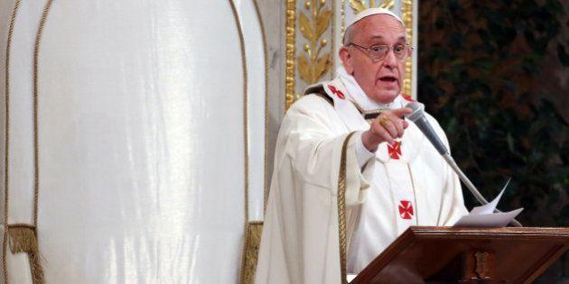 Papa Francisco destitui bispo acusado de proteger padre envolvido em abusos