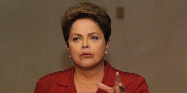 Bolsa cai e dólar chega a 2,45 após avanço de Dilma nas pesquisas
