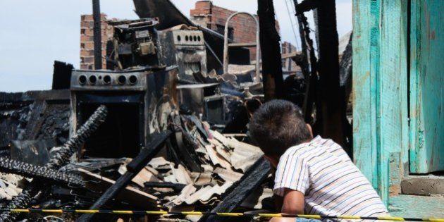Corpo é encontrado carbonizado após incêndio em favela em São Paulo