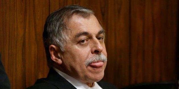Ex-diretor da Petrobras aceita devolver R$ 70 mi e irá cumprir pena em regime