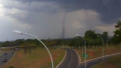 ASSISTA: Tornado em Brasília surpreende moradores da