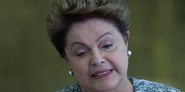 Dilma Rousseff (PT) lança pacote anticorrupção, mas como presidente não apoiou projetos já existentes...