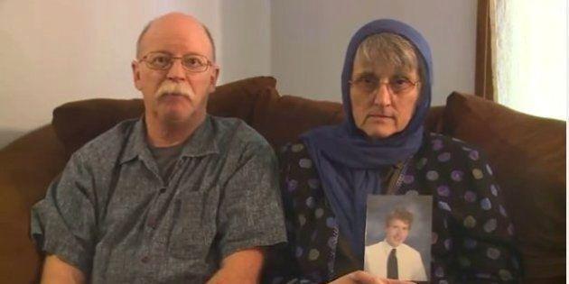 Pais de norte-americano sequestrado pelo Estado Islâmico apelam pela sua liberação