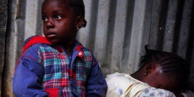 Jornalistas e ativistas divulgam importantes - e emocionantes - registros sobre o surto de Ebola nas...