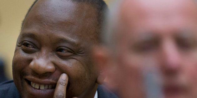 Presidente queniano, Uhuru Kenyatta, é o primeiro chefe de Estado em exercício a comparecer na corte...