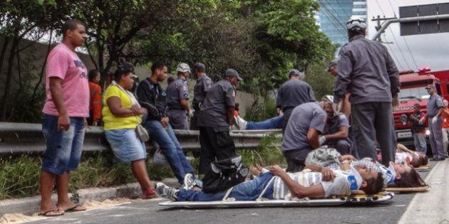 Acidente com dois ônibus deixa 40 feridos em São