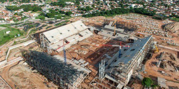 Cuiabá, Dezembro de 2012 - Obras da Arena do Pantanal. (Foto: Portal da