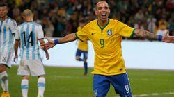 Tardelli faz dois e Brasil bate Argentina no Superclássico das