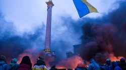 A praça de Kiev antes e depois dos