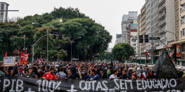 Protesto contra Copa é marcado por truculência em São