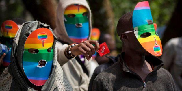 Lei antigay em Uganda: pena mínima é de 14 anos e pode chegar à prisão
