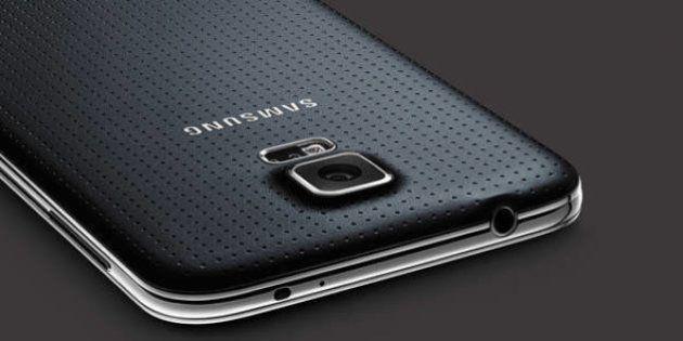 Samsung mostra Galaxy S5 com monitor de batimentos