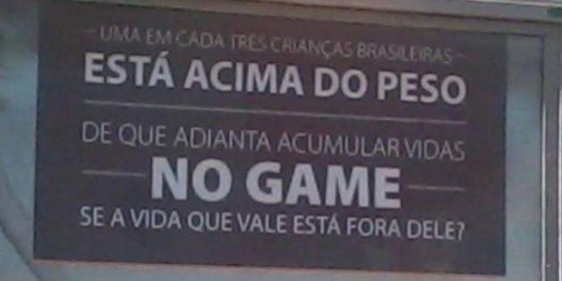 Outdoor de campanha da Amil revolta comunidade gamer: