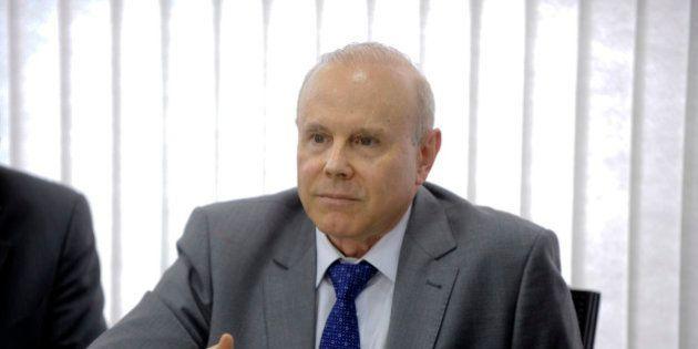 O ministro da Fazenda, Guido Mantega, se reúne com líderes partidários do Senado para tratar sobre o...