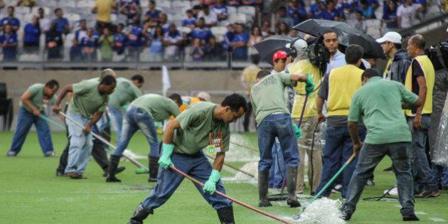 Chuva forte provoca estragos na cobertura do
