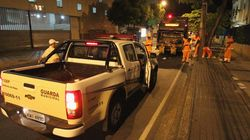 Polícia faz escolta de garis que voltaram ao