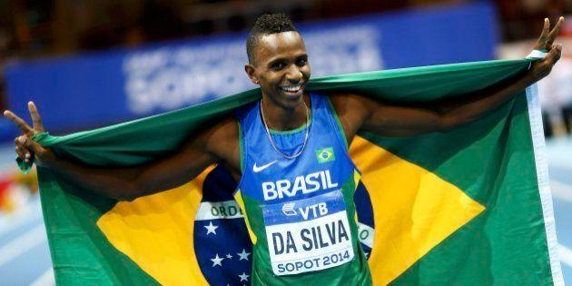 Brasileiro Mauro Vinícius é campeão mundial indoor no salto em