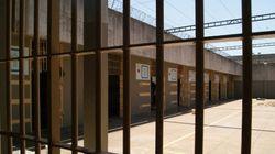 Vida de agente na prisão: