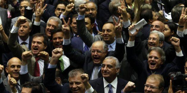 Crise PT x PMDB se agrava: ao invés de solução, líder do