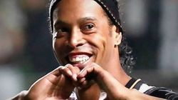 ASSISTA: lado cantor de Ronaldinho Gaúcho não