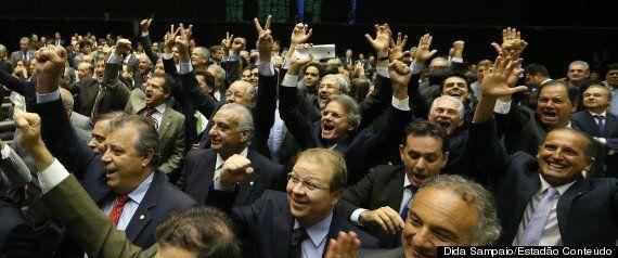 Só alegrias e boas conversas: a semana em que o PMDB derrotou o governo e acirrou crise