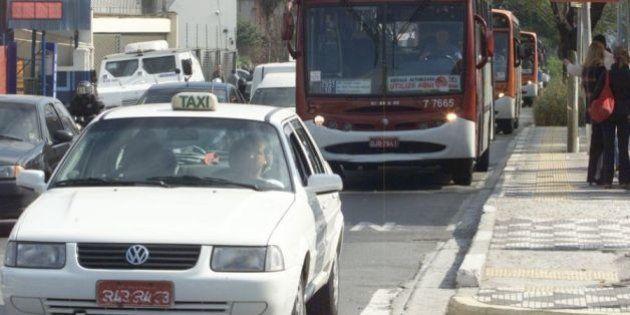 Proibição de táxis nos corredores de ônibus em horário de pico começa a valer em São