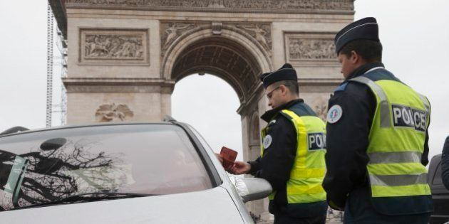 Polícia de Paris é convocada para garantir rodízio de carros devido à