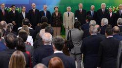 Novos ministros de Dilma tomam posse para