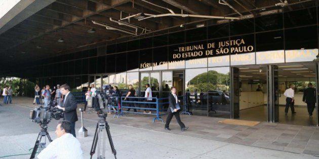 Jurados condenam dez PMs por mortes de oito presos no