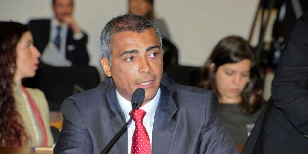 Comissão de Educação, Cultura e Esporte (CE): deputado federal Romário (PSB-RJ) fala durante debate sobre...