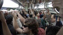 No metrô: em meio a operação contra assédio, propaganda vergonhosa estimula