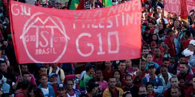 Trabalhadores sem-teto protestam contra Haddad e bloqueiam estradas em São