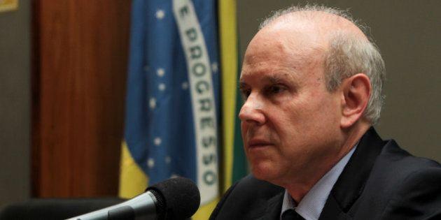 Crise na Petrobras: Câmara aprova convites a Mantega e Cerveró para explicar compra de