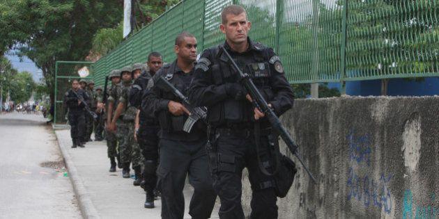Violência nas UPPs: Ministro da Defesa autoriza uso de blindados no