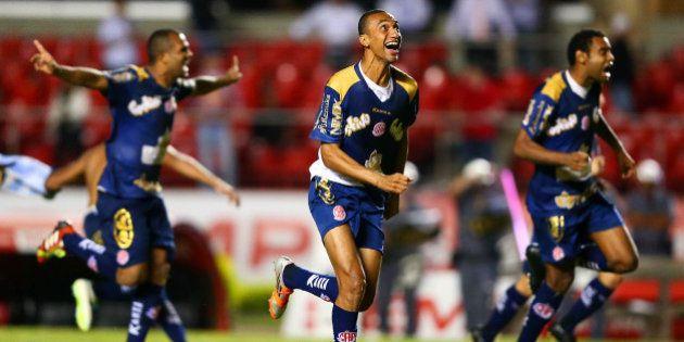 Campeonato Paulista: mesmo sem vencer há sete jogos, Penapolense avança às