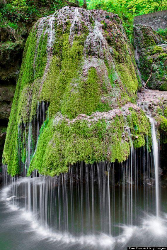 Cachoeira Bigar, um dos lugares mais belos da Romênia