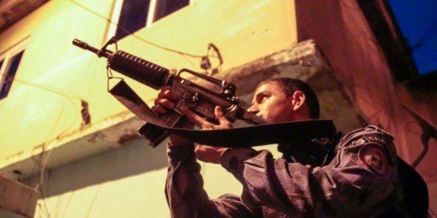 Ocupação da Maré: 10 fotos explicam como é a ocupação de uma favela