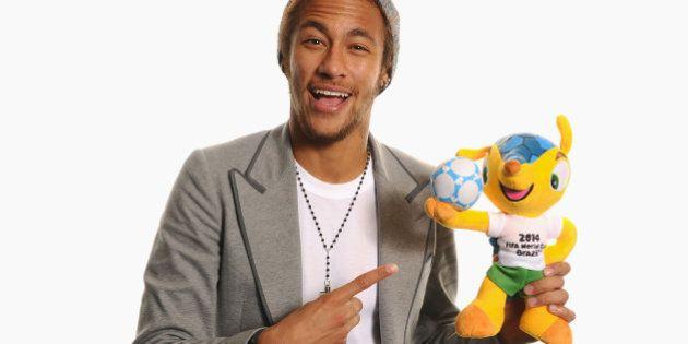 ZURICH, SWITZERLAND - JANUARY 13: Neymar of Brazil and Barcelona poses for a portrait with Brazil's 2014...