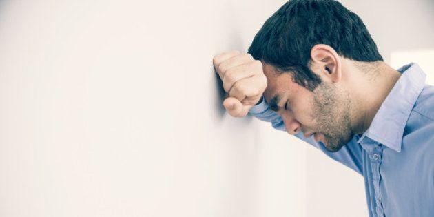 Estudo da CNI aponta que medo do desemprego e insatisfação com a vida aumentou entre os